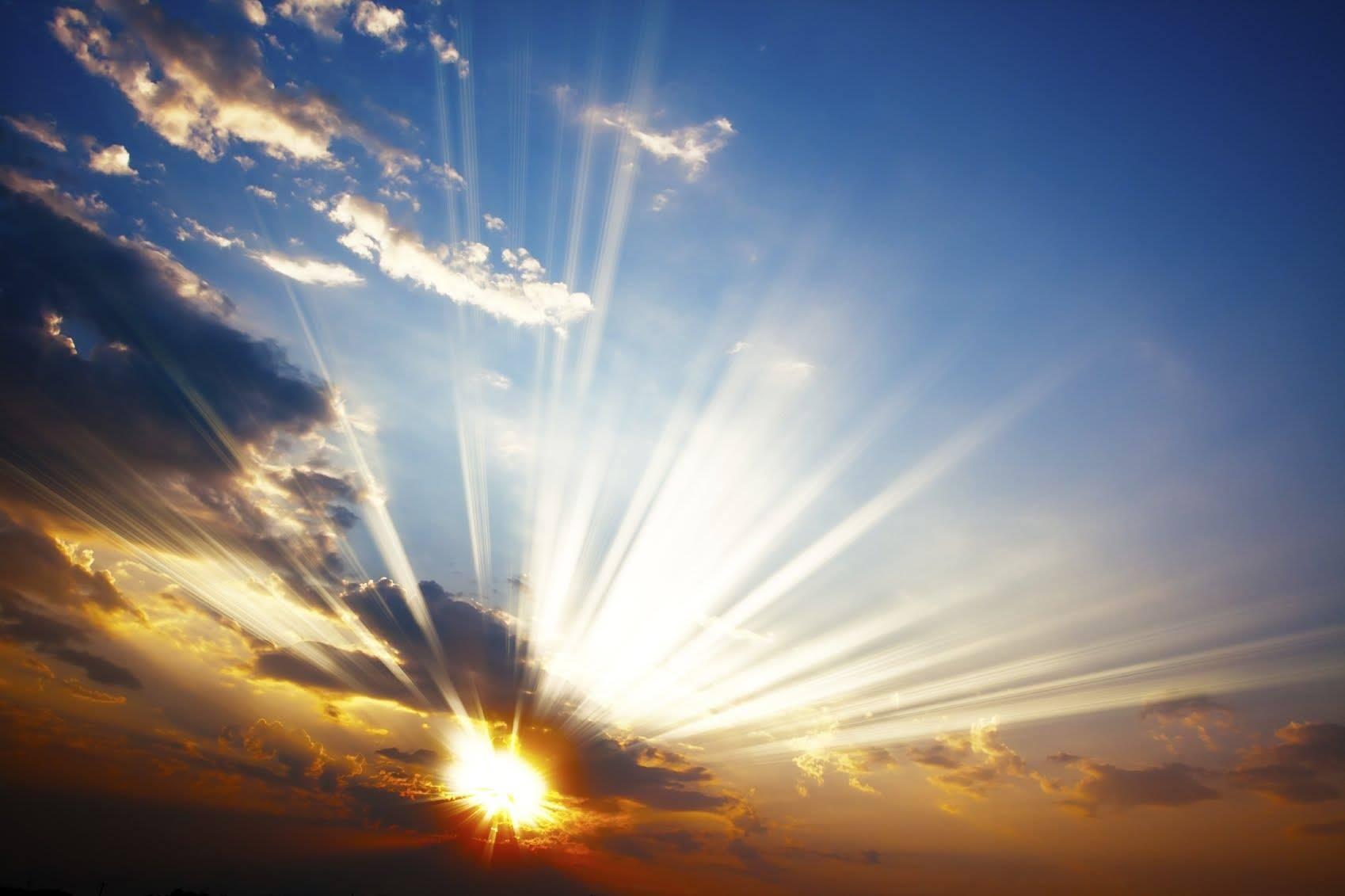 Recuerda siempre que... Un rayo de Sol es suficiente para barrer las sombras más oscuras...