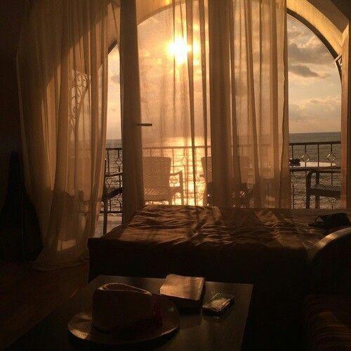 la felicidad de contemplar el amanecer un nuevo dia....
