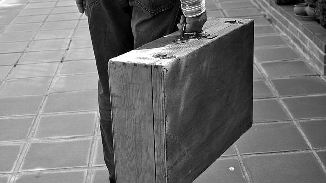 www.elrinconderovica.com el hombre de la maleta 5 - La Maleta Vacía...