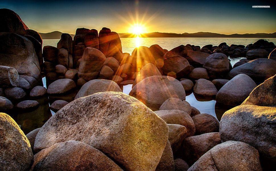 www.elrinconderovica.com la vida es un maravilloso arco iris... con actitud positiva tu puedes elegir disfrutar lo bello y alejar lo que te dana. y si el sol no esta inventa uno y hazlo brillar...